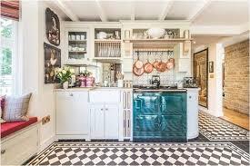 không gian tủ bếp